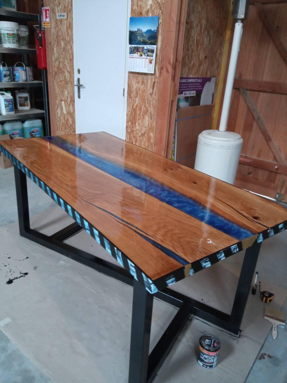 E.M.B : Table bois résine epoxy à Vannes (7)